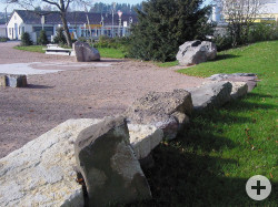 GeologischerGarten-Gestein Schichtung
