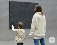 Pierre Soulages, Peinture, 157 x 202 cm, 28 novembre 2009 © VG Bild-Kunst Bonn, 2018 & Museum Art.Plus/Art.Plus Foundation