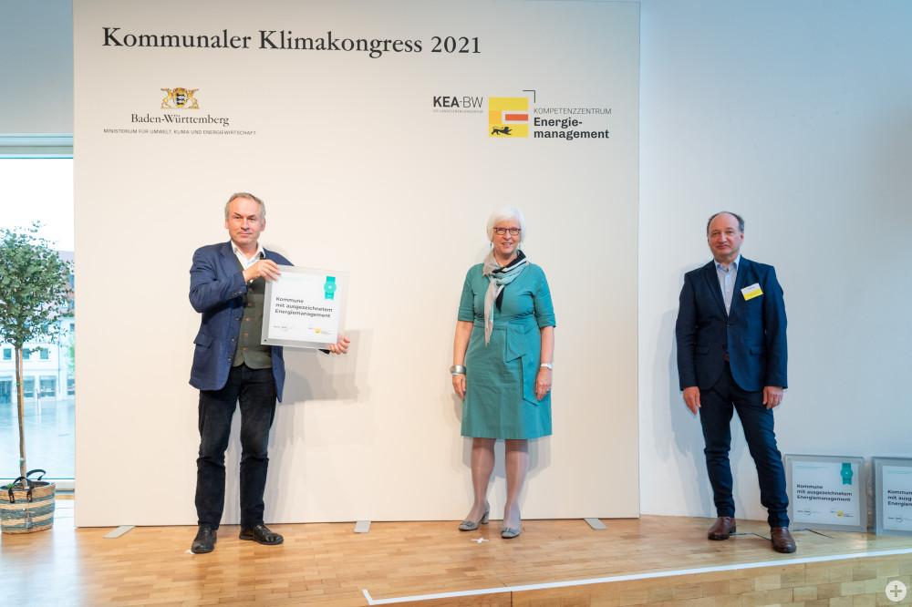 Von links: Umweltberater Dr. Gerhard Bronner, Oberbürgermeisterin a. D. Gudrun Heute-Bluhm vom Städtetag Baden-Württemberg und Claus Greiser von der Klimaschutz- und Energieagentur Baden-Württemberg.