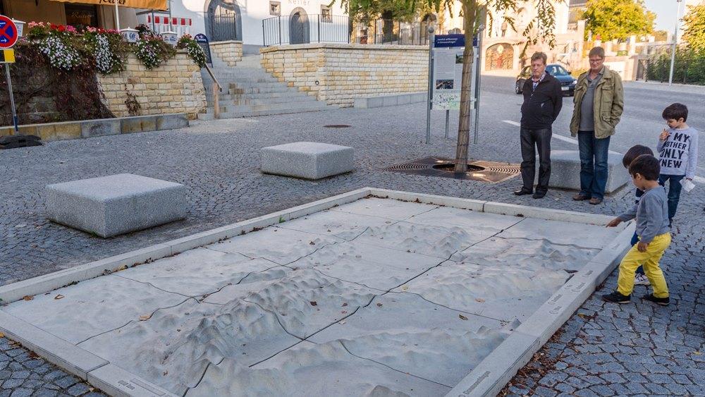 Residenzviertel_Donaurelief, Foto: H. Bunse