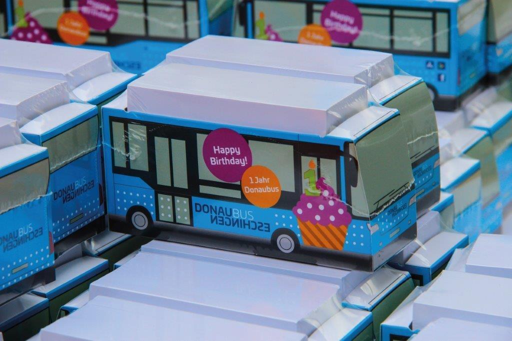 Begehrte Donaubus-Zettelbox